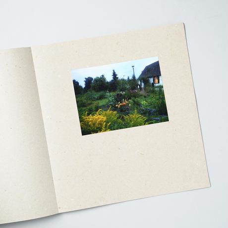 [サイン入/Signed] There  is a white horse  in my garden / ANNE SCHWALBE(アンネ・シュヴァルべ)