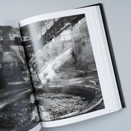 WORKERS / Sebastiao Salgado (セバスチャン・サルガド)
