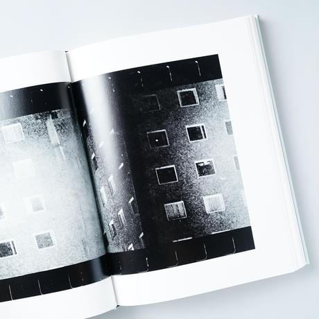 [新刊・サイン入/Signed] FAREWELL PHOTOGRAPHY -English Ed- 写真よさようなら-英語版- / 森山大道(Daido Moriyama)