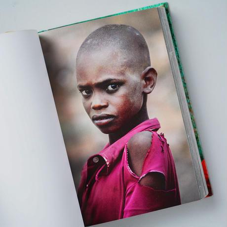 PORTRAITS / Steve McCurry (スティーブ・マッカリー)