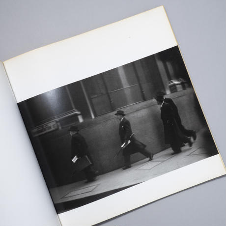 BLACK WHITE AND THINGS / Robert Frank(ロバート・フランク)