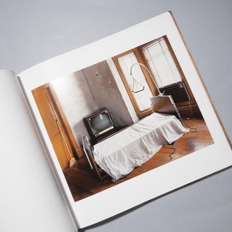 SLEEPING BY THE MISSISSIPPI / Alec Soth (アレック・ソス)