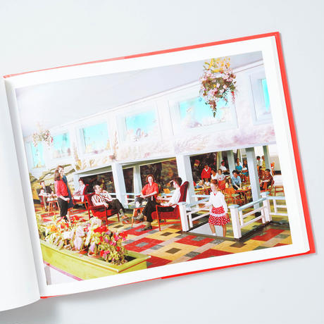 Our True Intent Is All For Your Delight: The John Hinde Butlins Photograph /  ジョン・ハインド