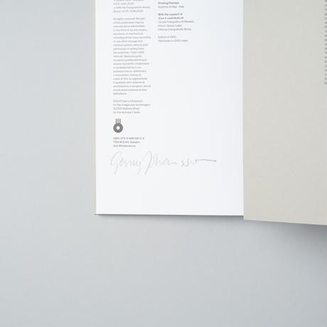 [サイン、ステッカー付]  AT HOME IN SWEDEN, GERMANY AND AMERICA /  Gerry Johansson (ゲリー・ヨハンソン)