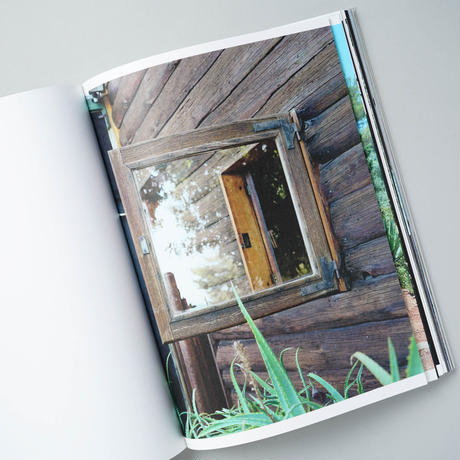 [新刊/NEW] LOOKING THROUGH - LE CORBUSIER WINDOWS / ホンマタカシ(Takashi Homma)
