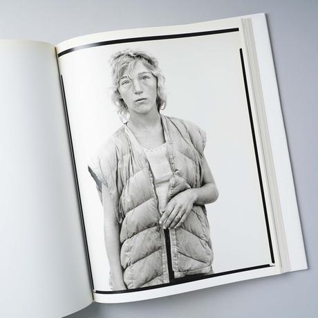 Woman in the Mirror / Richard Avedon (リチャード・アヴェドン)
