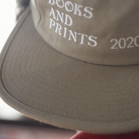 BOOKS AND PRINTS 10周年記念キャップ