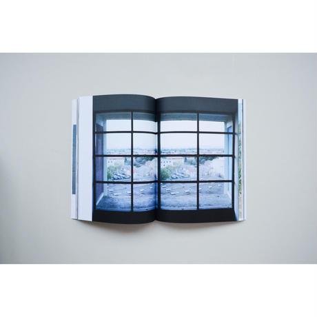 新『 Looking Through  Le Corbusier Windows』ホンマタカシ