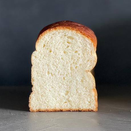 English bread   カナダ産最高級小麦の食パン