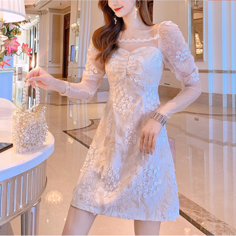 Décolleté flower tape lace dress(No.301376)