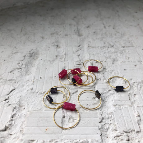 2 color stone ring