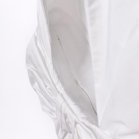 WED Studio / Taffeta Draped Bow Bag / White
