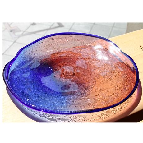 沖縄 琉球ガラス 宙吹きガラス工房虹 稲嶺盛吉氏 白泡二色外大皿