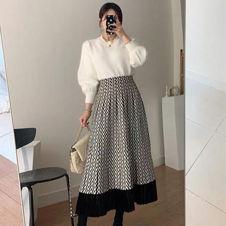 v柄スカート
