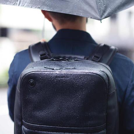 """【6月限定セール】クリエイターを支え、美しくデバイスを持ち運ぶ """" HUB5"""""""
