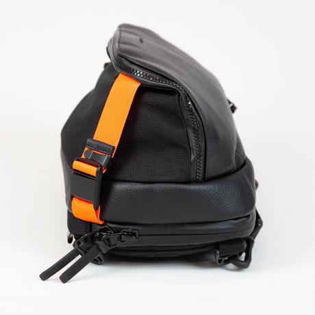 """""""公式ショップ限定"""" Adjust sling multi bag + ミニポーチ/ BLK×ORG /  CHC×ORG"""