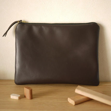 NEW Pouch / L Dark Brown