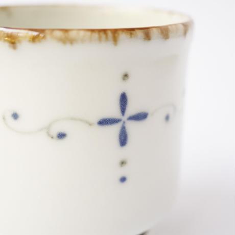村山朋子 十字唐草紋コーヒーカップ