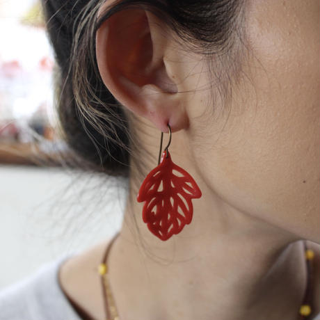 red leaf pierce small