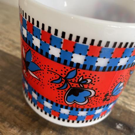 milk  glass magcup