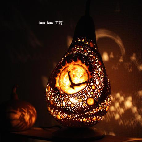 ひょうたんランプ--太陽から生まれた火の鳥