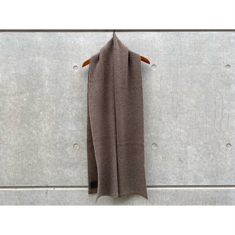 Comm arch / KNITTED SCARF