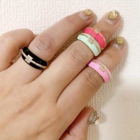 Color enamel rings w clear stones
