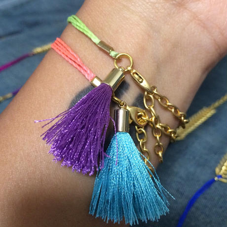 Fish one chain bracelet w tassel