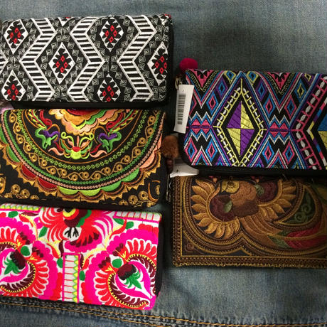 Embroidered long wallet