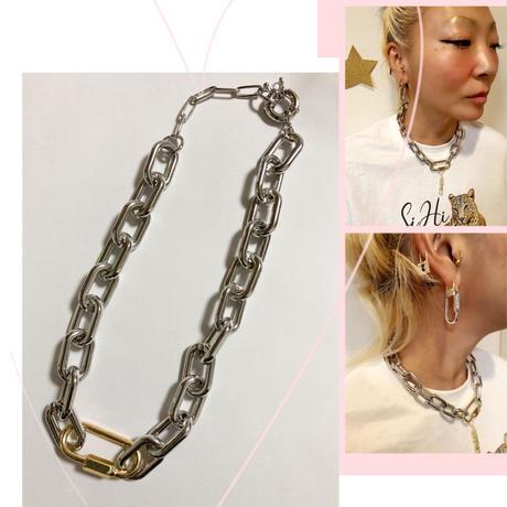 Bicolor clasp necklace