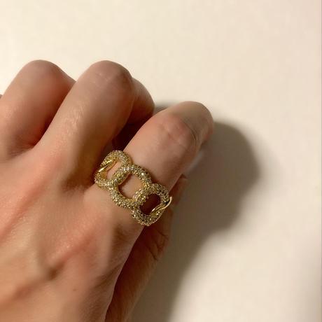 Circle chain design ring