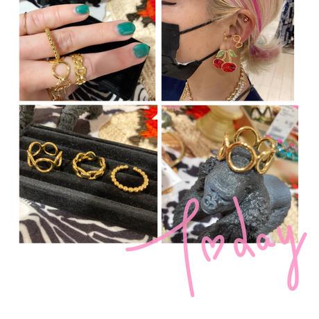 Gold Ear cuff / ring