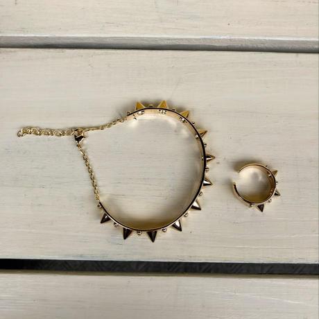 Gold design bracelet and ring set