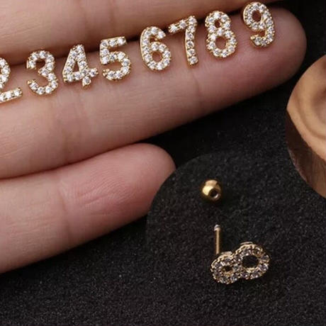 Tiny number earring ( 1 pc )