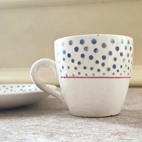 サルグミンヌ窯ルネシリーズのコーヒーカップ&ソーサー(C)
