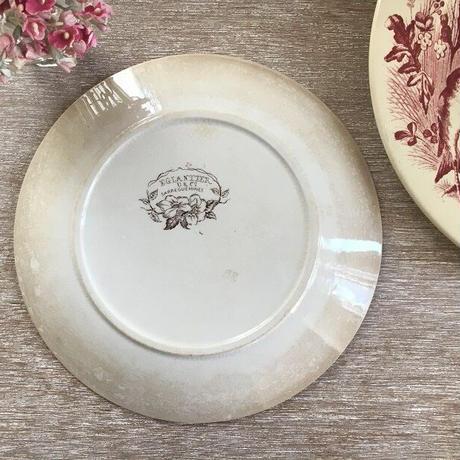 サルグミンヌ窯野ばらリース柄のデザート皿