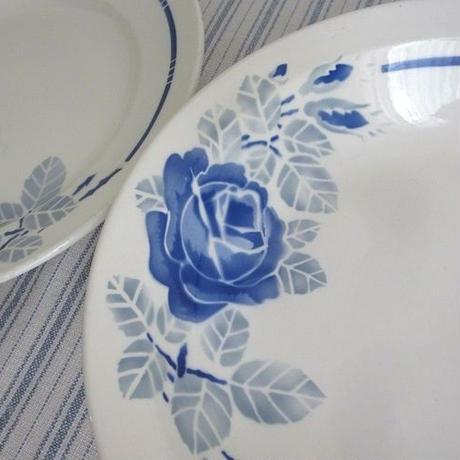 バドンヴィレ窯ブルー薔薇の深皿(大)