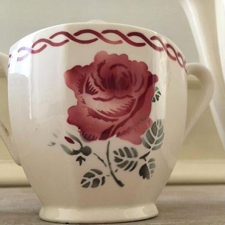 バドンヴィレ窯薔薇モチーフシュガーポット