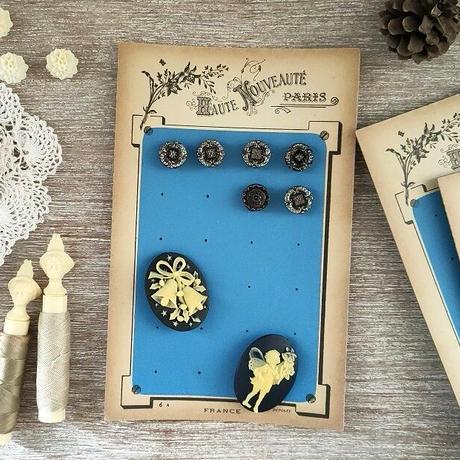 ボタン台紙(花モチーフ)