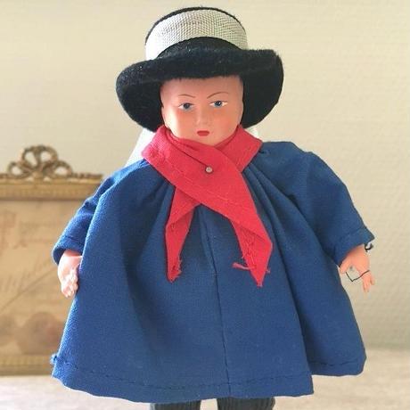 19~20世紀の庶民男性の服装をした男の子のお人形2