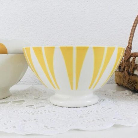 黄色のモチーフのカフェオレボウル