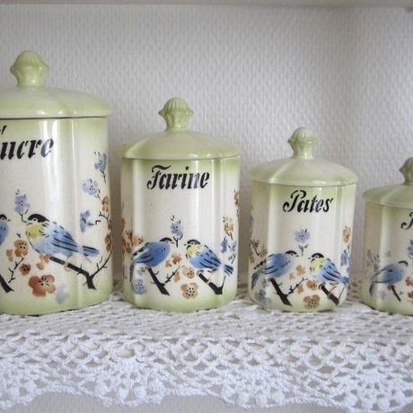 小鳥モチーフの陶器キャニスター4つセット