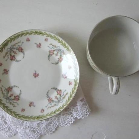リモージュのティーカップ&ソーサー