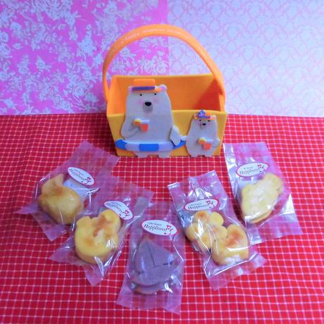 フエルト製夏クマちゃんケースに夏の焼き菓子5袋詰め合わせ
