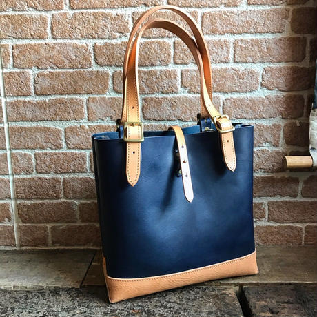 LEFT HAND TOTE BAG  / NAVY×TAN (S)