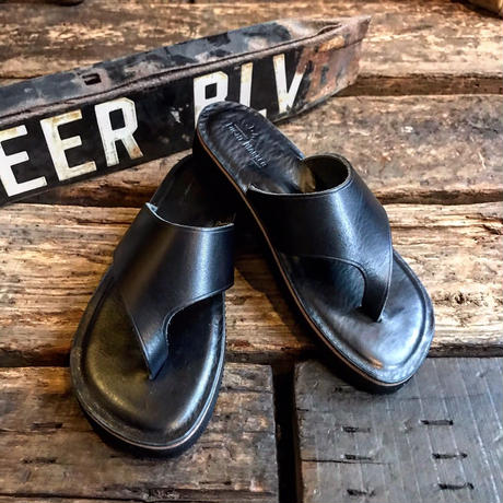 LIGHT MARKER / THONG SANDAL(BLACK)