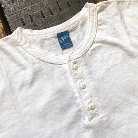 Good On /  S/S HENLEY TEE
