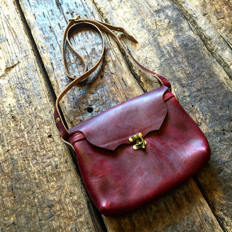 Fernand Lether / Horizontal Latch Pouch (M)