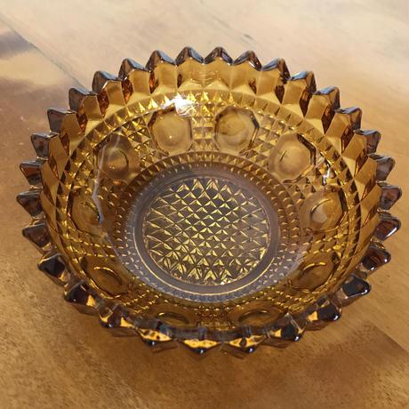 昭和レトロ ガラスのカットが素敵な器