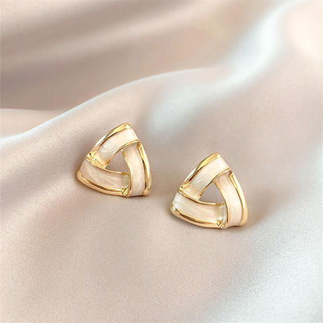 Geometric Triangle Earrings Contracted Pierce(Gld×Wht) /  2102_PR060